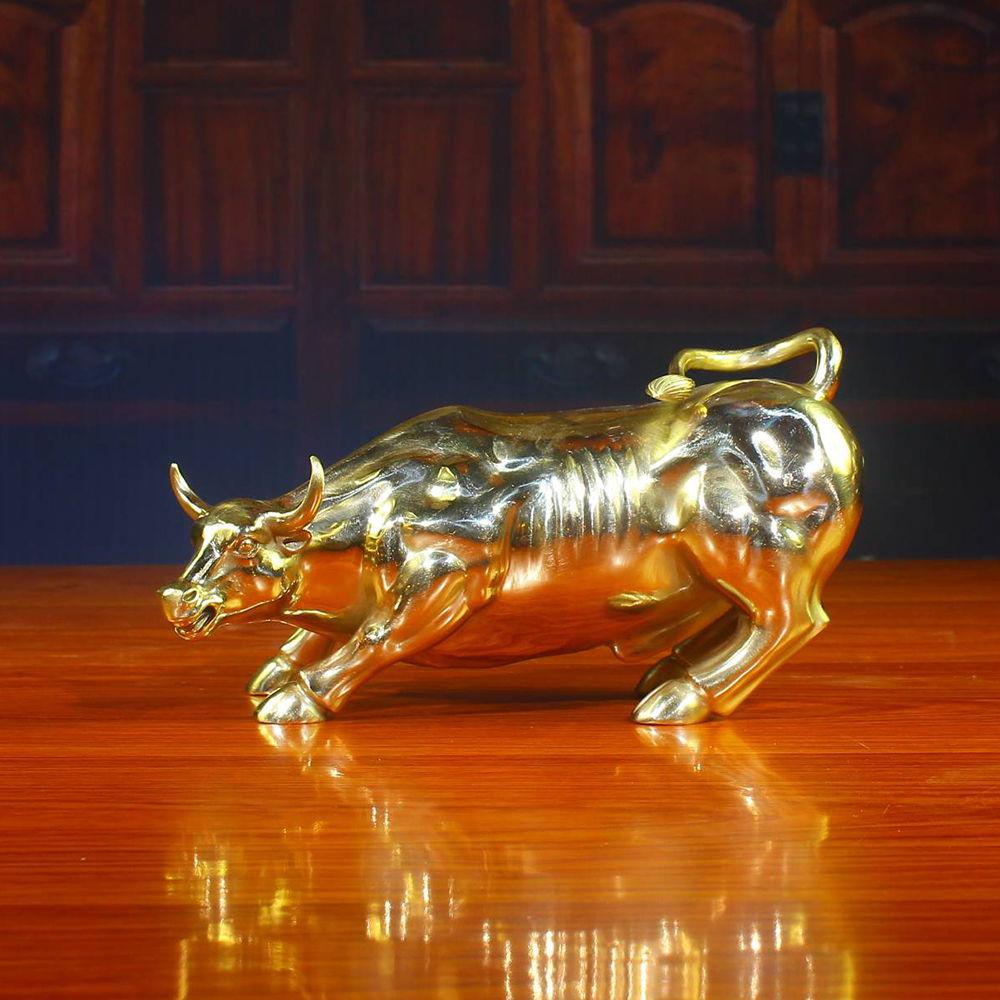 华尔街牛铜雕塑